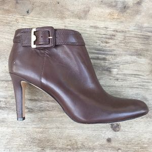 VINCE CAMUTO Chrissa Brown Leather booties boots
